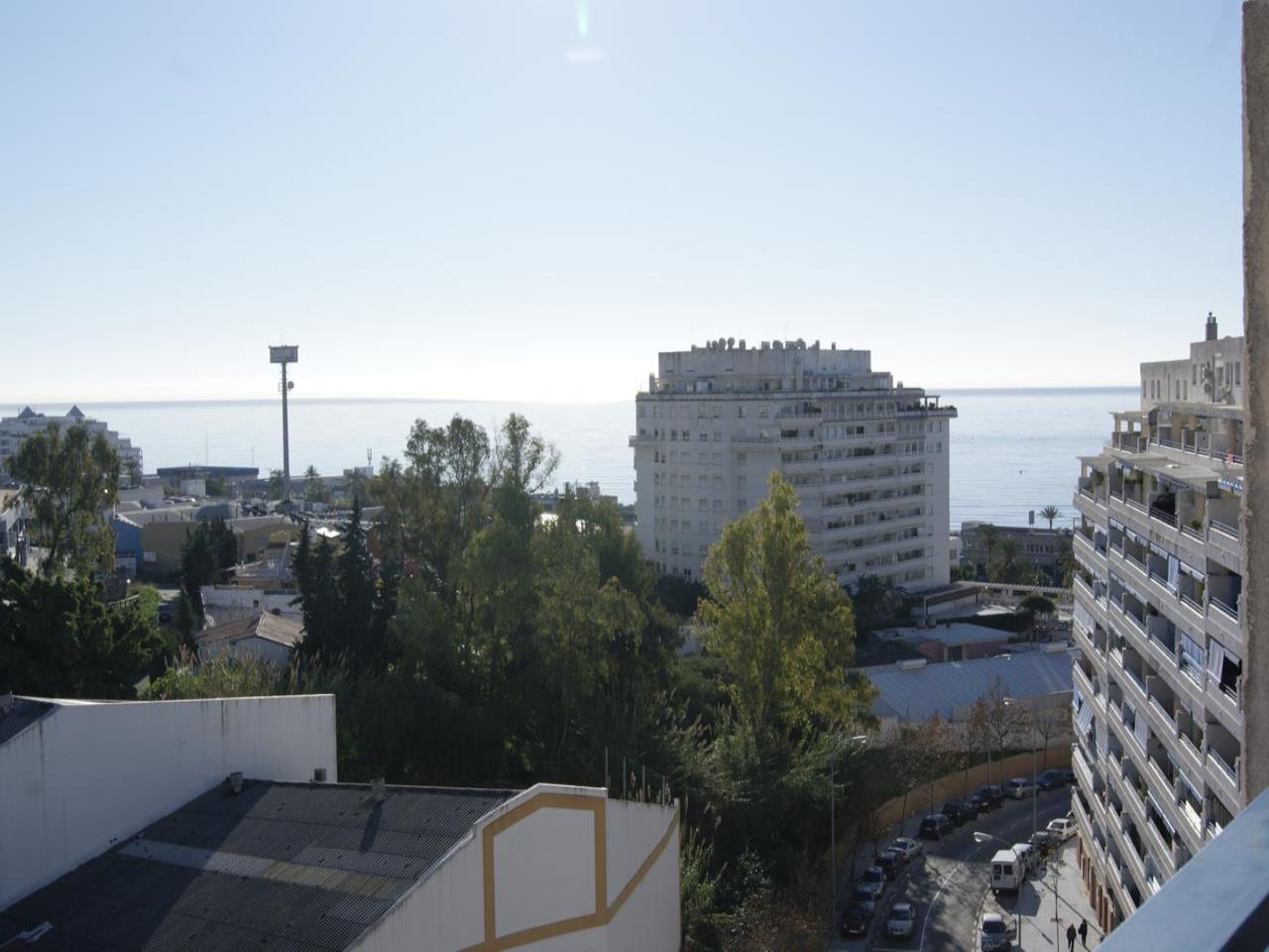 APARTAMENTO en venta en marbella norte-circunvalacion 750 €